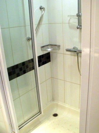 Holiday Inn Express Pretoria-Sunnypark: Salle de bains