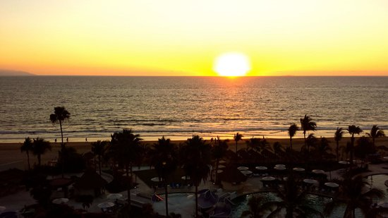 Hard Rock Hotel Vallarta: Sunset from our balcony