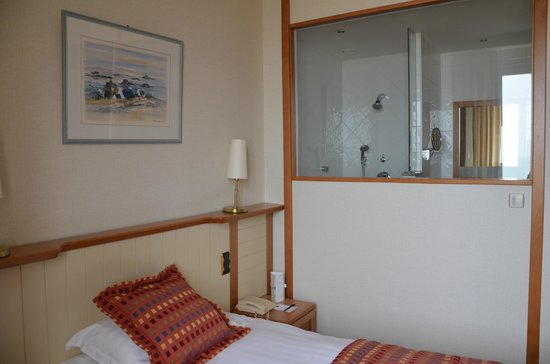 Le Grand Hotel des Thermes Marins de St-Malo: Chambre 334