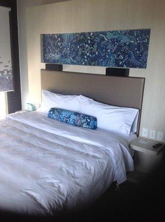 Aloft Guadalajara: corner room