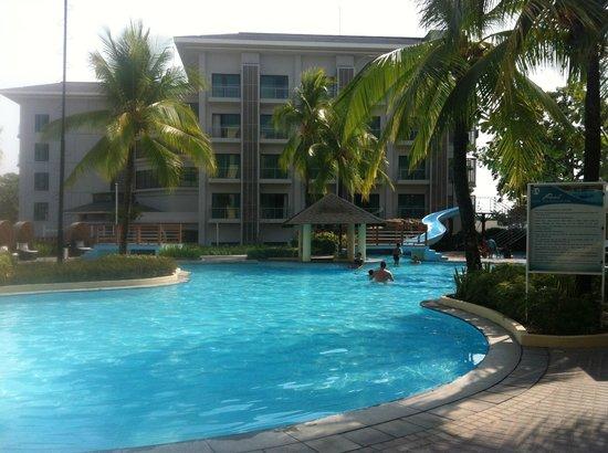 Enjoyed The Pool Picture Of Widus Hotel And Casino Clark Freeport Zone Tripadvisor