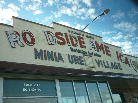 Roadside America Sign