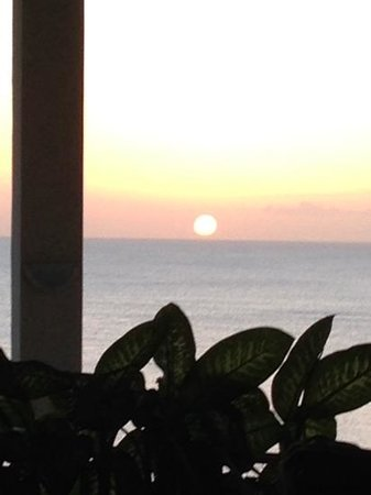 Calabash Cove Resort and Spa: Sunset