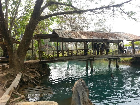 Tham Phu Kham Cave and Blue Lagoon : Different angle of Blue Lagoon