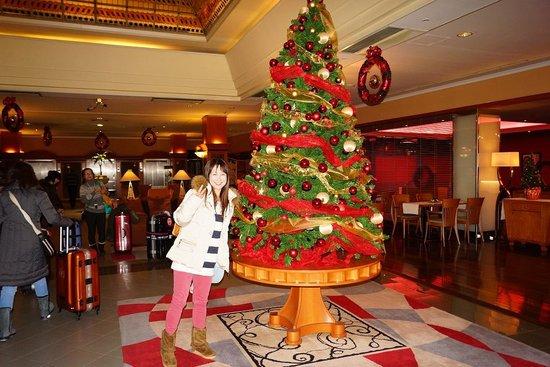 The Aquincum Hotel Budapest: ロビーに大きなクリスマスッsリー