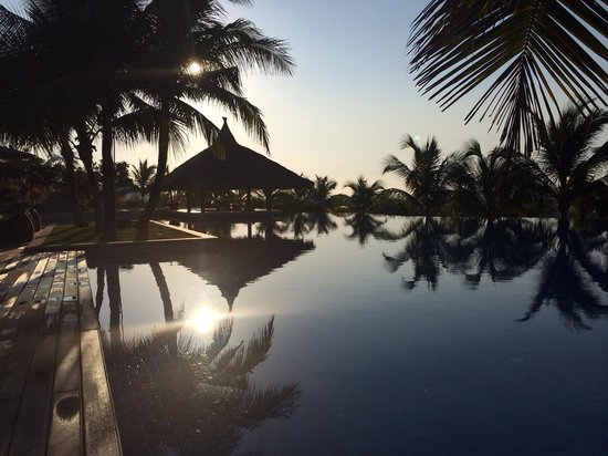 The Cliff Resort & Residences : Pool um 6.30 Uhr