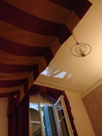 Grande Albergo Ausonia & Hungaria : Ceiling