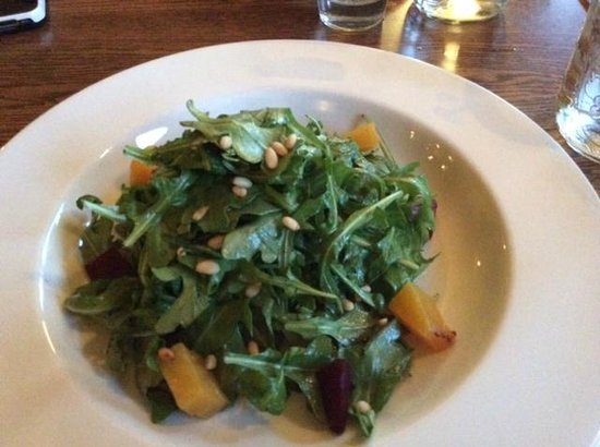 Cornerstone Pub & Kitchen: Beet and arugula salad