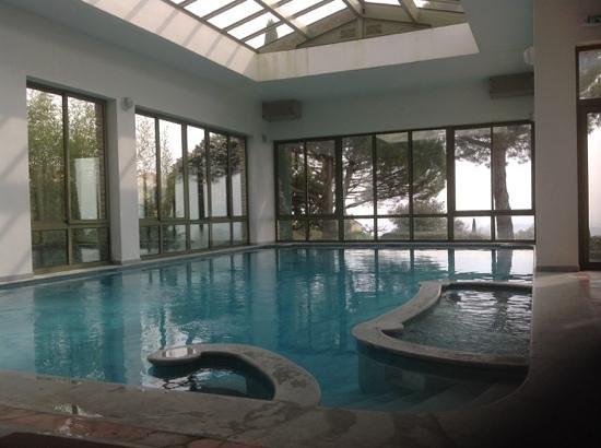 Hotel Les Bories & Spa : la piscine interieure