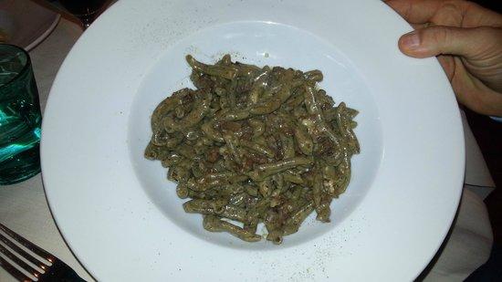 Qb Duepuntozero: Caserecce di grano saraceno allo stracotto d'asino