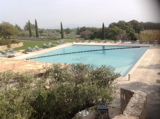 Hotel Les Bories & Spa : la piscine exterieure