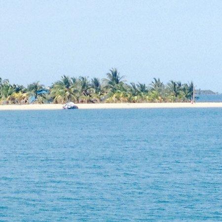 Belize Sailing Charters - Day Trips: Beautiful scenery along the way