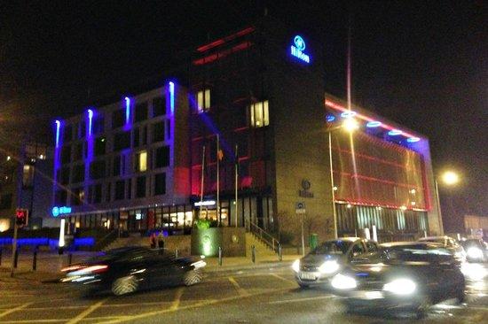 Hilton Dublin Kilmainham : Hilton at night