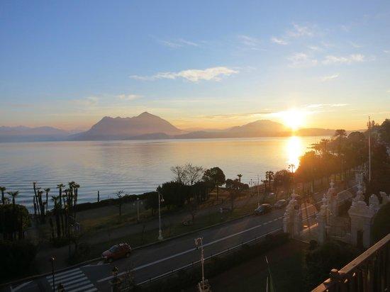 Grand Hotel Des Iles Borromees : Blick vom Zimmer, Sonnenaufgang
