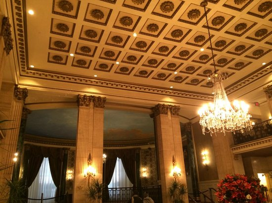 The Roosevelt Hotel: Hotel lobby