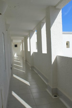 Bel Air Collection Resort & Spa Cancun: Hallways