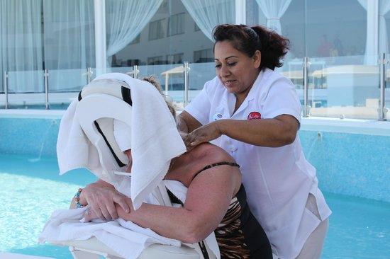 Bel Air Collection Resort & Spa Cancun: Free 5-minute (really 10-minute) massages by the pool
