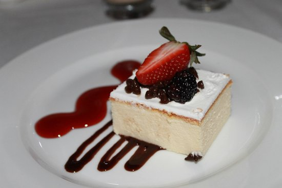 Bel Air Collection Resort & Spa Cancun: Cheesecake dessert