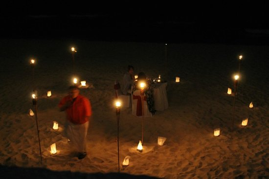 Bel Air Collection Resort & Spa Cancun: Romantic candlelit dinner on the beach