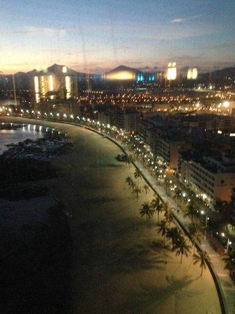 Arrecife Gran Hotel: View from 17th floor bar