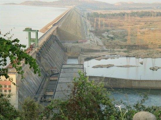 Sambalpur, India: The longest dam