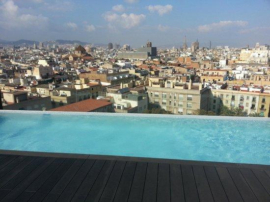 Andante: Vue du 11e étage avec la piscine