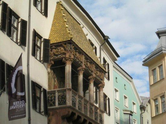 Altstadt von Innsbruck: balcone dorato