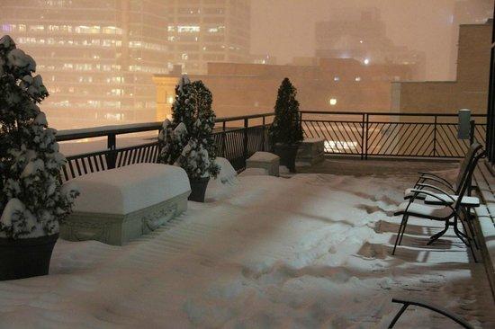 Le Square Phillips Hotel & Suites: une bonne couche de neige en une après midi.