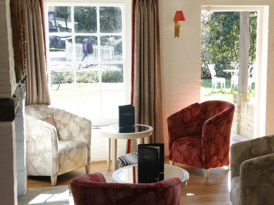 Millstream Hotel & Restaurant: Sunny Bar