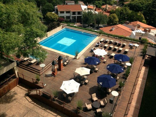 Sheraton Salta Hotel: Vista de la pileta de la habitación 711.