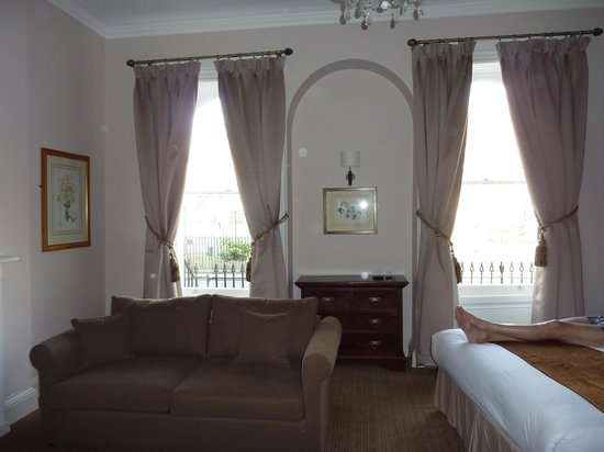 Jenkins Hotel: One half of the sitting room area