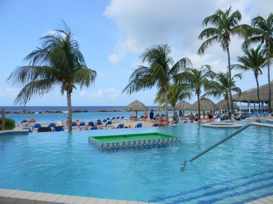 Sunscape Curacao Resort Spa & Casino: Beautiful Pool with a View