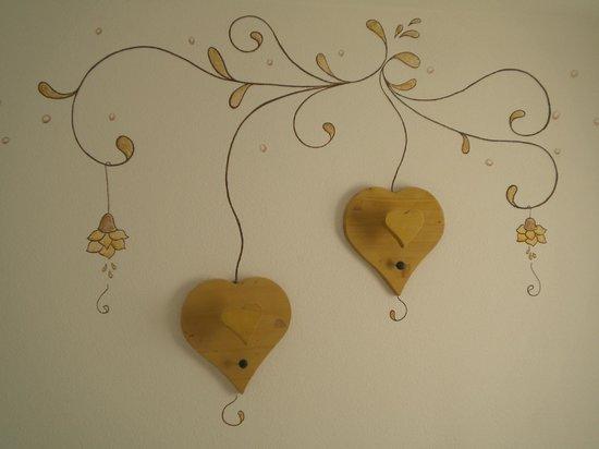 Albergo Aida: la decorazione sopra il letto matrimoniale!