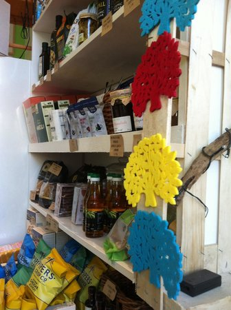 The Almond Tree: The natural food shop
