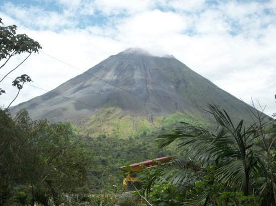 Arenal Observatory Lodge & Spa : Good shot of the Volcano