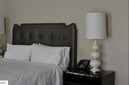 Waldorf Astoria Chicago: Bed