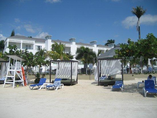 Azul Beach Resort Sensatori Jamaica by Karisma : Beach beds