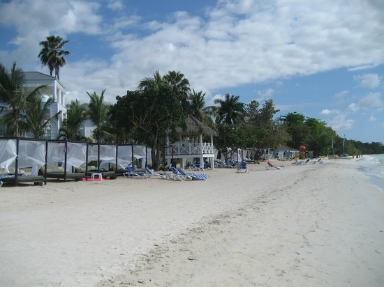 Azul Beach Resort Sensatori Jamaica by Karisma : Beach looking left