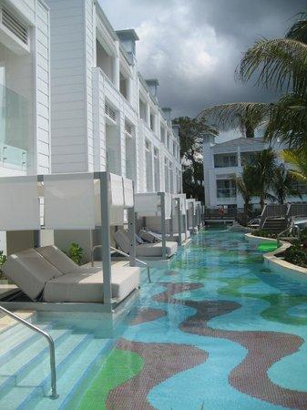 Azul Beach Resort Sensatori Jamaica by Karisma : Swim out rooms/lounges/pool