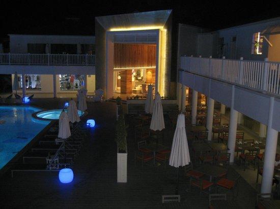 Azul Beach Resort Sensatori Jamaica by Karisma : Lobby, shopping area &  The Palms