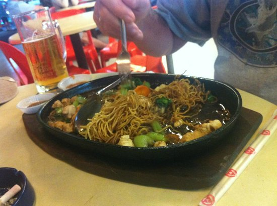 Long Beach: Crispy fried Noodles and Chicken