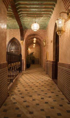 Riad & Spa Mabrouk : Hotel Corridor