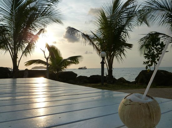 Coral Resort : le soir à la piscine