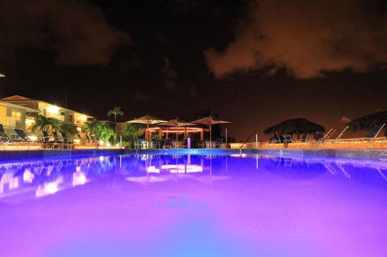 Christopher Columbus Condos: Evening by the pool