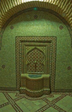 Riad & Spa Mabrouk : Fountain In Hotel