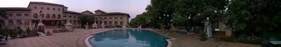 Evershine Keys Prima Resort: pool property