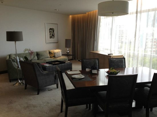 The St. Regis Mexico City: Dining Room/Living Room