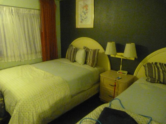 Americas Best Value Inn Bishop: room