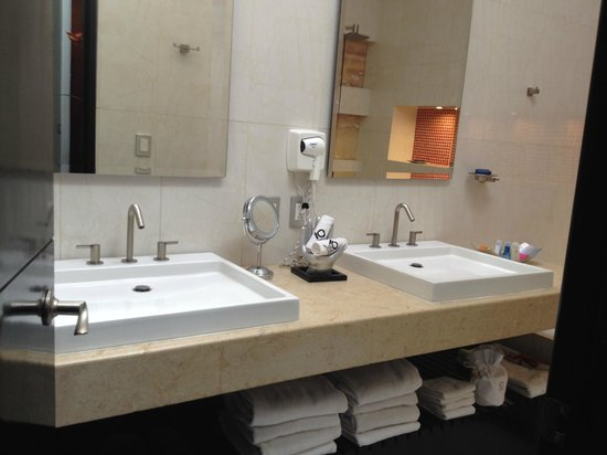 Cantera Diez Hotel Boutique: Bathroom