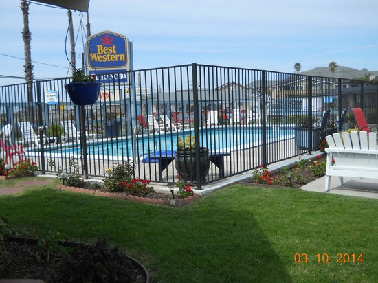 Best Western El Rancho: Pool area